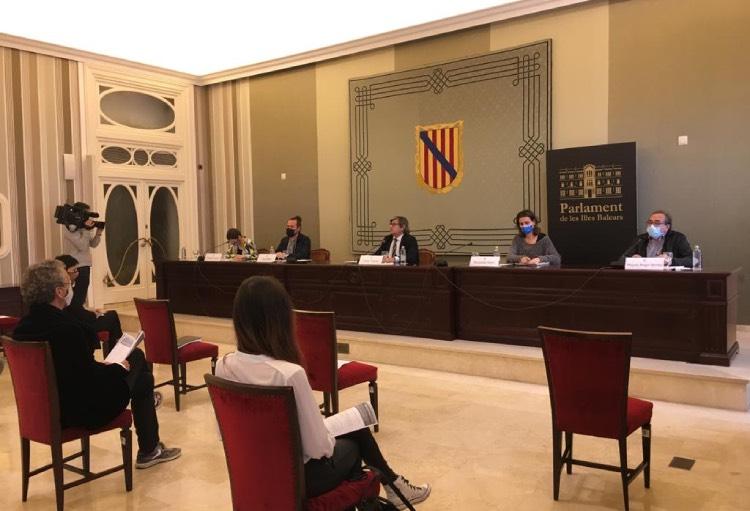 El Fòrum de la Societat Civil presenta les seves propostes per a la reconversió turística